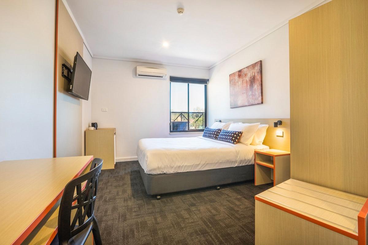 One Bedroom Apartment | Nightcap at Rose & Crown Hotel