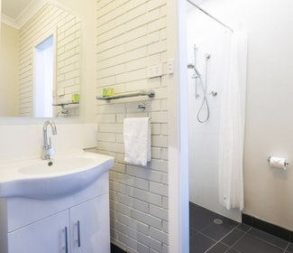 Ensuite Bathroom in Studio Twin Single at Nightcap at Playford Tavern
