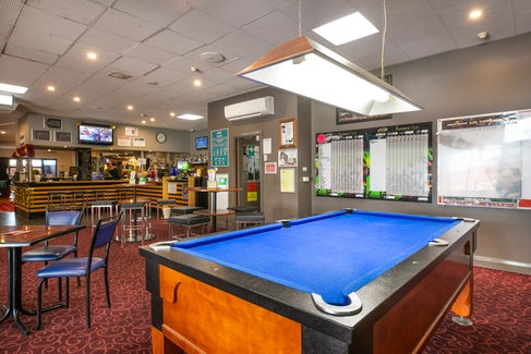 Sports Bar and Billiards at Hendon Hotel
