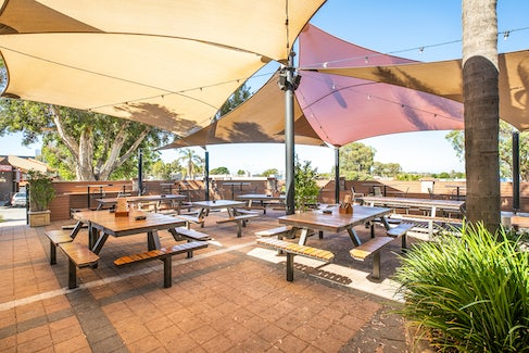 Courtyard at Wanneroo Tavern