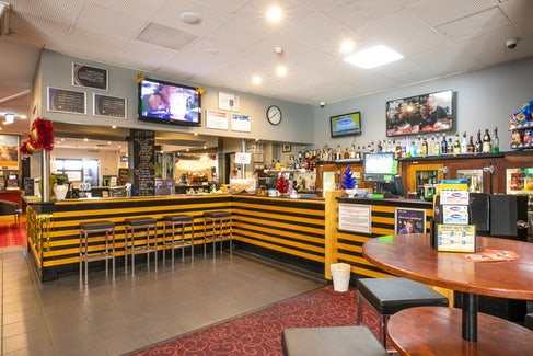 Sports Bar at Hendon Hotel