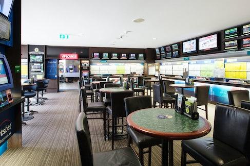 Sports Bar at High Flyer Hotel
