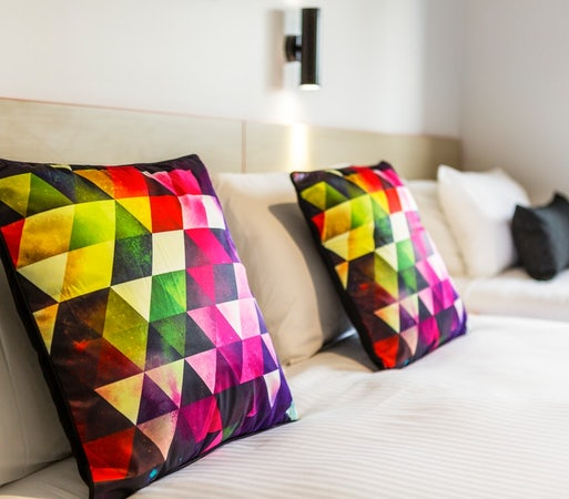 Derwent park accommodation specials stay 7 pay 6 carlyle hotel nightcap
