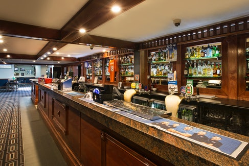 st clair accommodation bar nightcap at blue cattle dog hotel