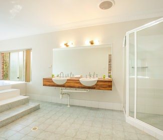 Ensuite Bathroom in Studio Twin Queen with Spa at Nightcap at Blue Cattle Dog Hotel