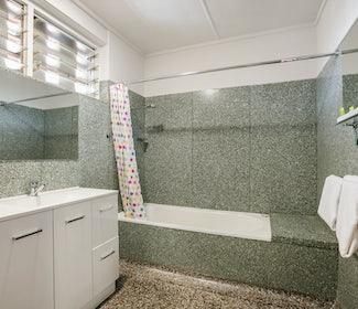 Ensuite Bathroom in Studio Family at Nightcap at Camp HIll Hotel
