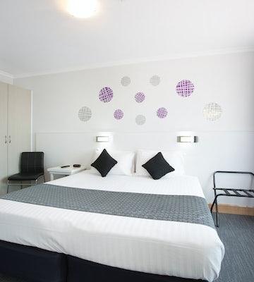 Derwent park accommodation studio king carlyle hotel nightcap