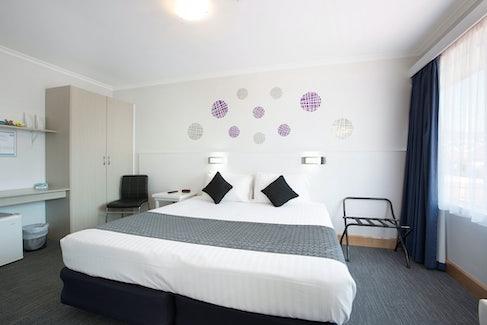 Derwent park accommodation carlyle hotel nightcap