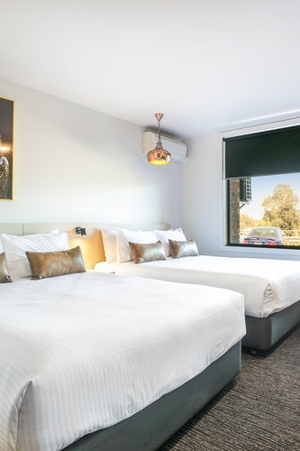 Frankston accommodation Nightcap at cheeky squire family room