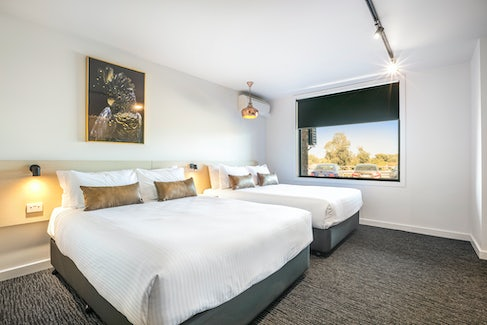 Frankston accommodation nightcap at the cheeky squire family