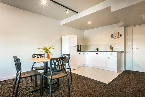 Frankston accommodation nightcap at the cheeky squire family room