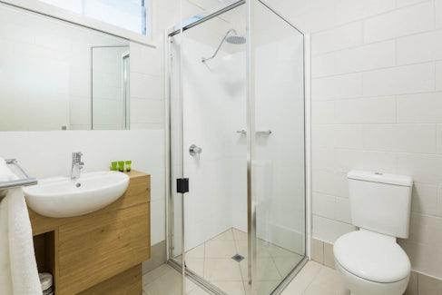 Ensuite Bathroom at Nightcap at Edge Hill Tavern