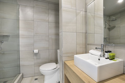 Ensuite Bathroom at Nightcap at Excelsior Hotel
