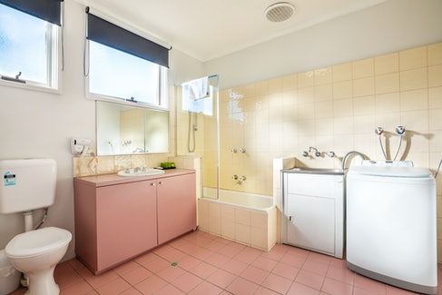 Ensuite Bathroom in Two Bedroom Apartment at Nightcap at Ferntree Gully Hotel Motel