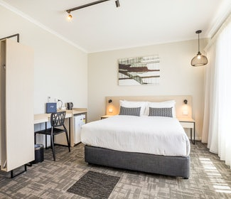 woodville north accommodation studio queen front nightcap at finsbury hotel