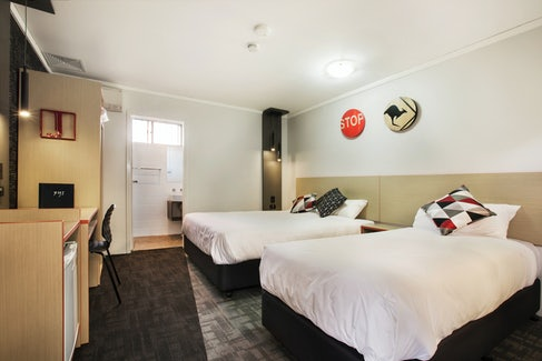 penrith accommodation studio queen bed 6 nightcap at jamison hotel