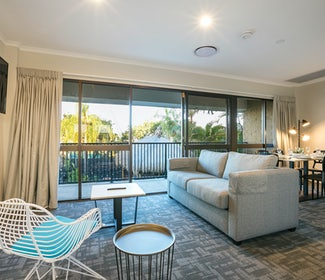 buddina accommodation three bedroom lounge kawana waters hotel nightcap