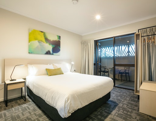 buddina accommodation kawana waters hotel nightcap