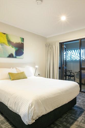 buddina accommodation kawana waters hotel nightcap