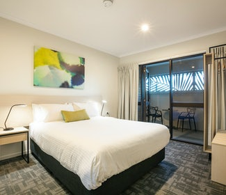 buddina accommodation three bedroom kawana waters hotel nightcap