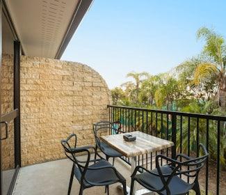 buddina accommodation studio queen balcony kawana waters hotel nightcap