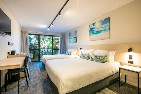 buddina accommodation bedroom kawana waters hotel nightcap