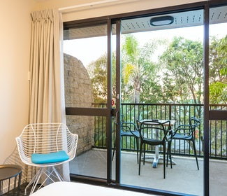 buddina accommodation three bedroom balcony kawana waters hotel nightcap