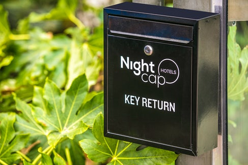 chadstone accommodation key return nightcap at matthew fliders hotel