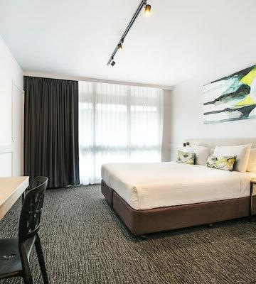chadstone accommodation bedroom 4 nightcap at matthew fliders hotel