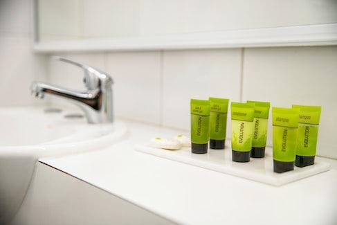 chadstone accommodation toilet amenties nightcap at matthew fliders hotel