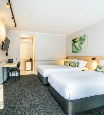 chadstone accommodation bedroom 2 nightcap at matthew fliders hotel