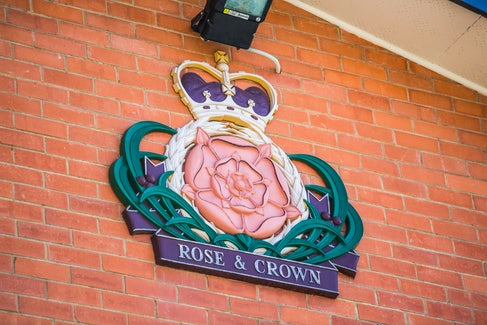 Elizabeth South accommodation rose and crown hotel nightcap