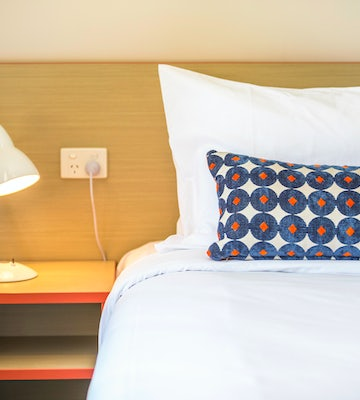 Elizabeth South accommodation two bedroom rose and crown hotel nightcap