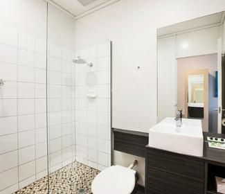 sandringham accommodation studio family bathroom sandringham hotel nightcap