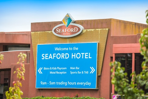 seaford accommodation front of building nightcap at seaford hotel