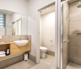 Ensuite Bathroom in One Bedroom Apartment at Nightcap at Seaford Hotel
