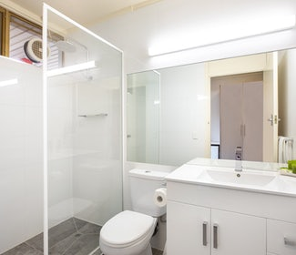 Ensuite Bathroom in Studio King and Sofa at Nightcap at Shoppingtown Hotel