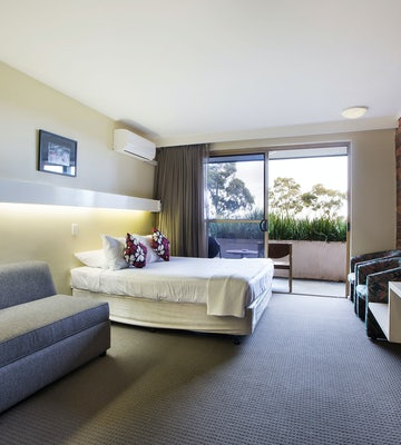 Doncaster accommodation studio king shoppingtown hotel nightcap