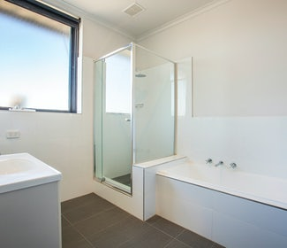 Ensuite Bathroom in Two Bedroom Apartment at Nightcap at St Albans Hotel