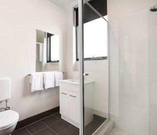 st albans accommodation studio queen bathroom st albans hotel nightcap