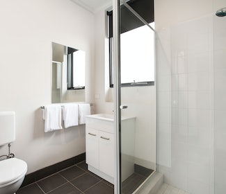 Ensuite Bathroom in Studio Queen and Single at Nightcap at St Albans Hotel