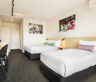 Springvale accommodation studio queen and single waltzing matilda hotel nightcap