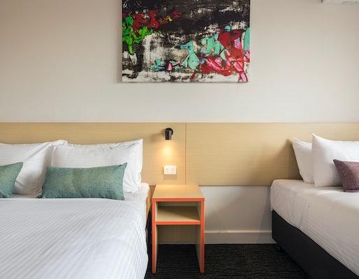 Springvale accommodation waltzing matilda hotel nightcap