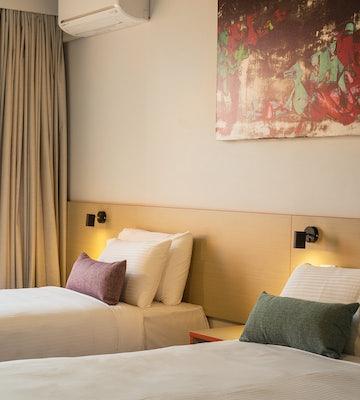 Springvale accommodation studio family waltzing matilda hotel nightcap