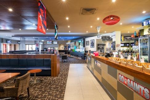 Bar and Bistro at Excelsior Hotel