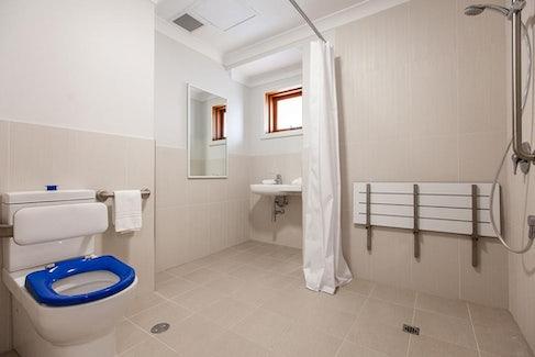 busselton accommodation nightcap at the ship inn main toilet