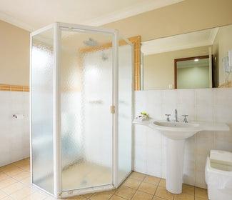 Ensuite Bathroom in Studio Queen and Single at Nightcap at Federal Hotel
