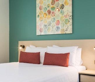 nightcap at balaclava hotel studio queen and sofa main bedroom view