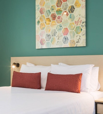 nightcap at balaclava hotel earlville 3 bedroom apartment bed with side table