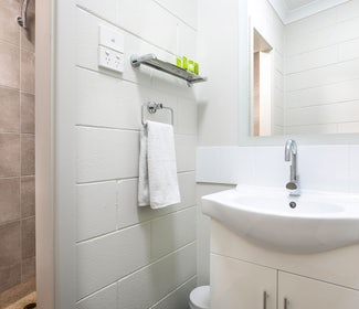 Ensuite Bathroom in Two Bedroom Family at Nightcap at Hendon Hotel